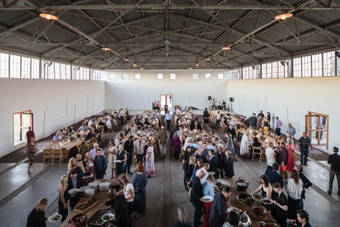 Chinati Weekend benefit dinner in the Arena, 2017. Photo by Alex Marks.