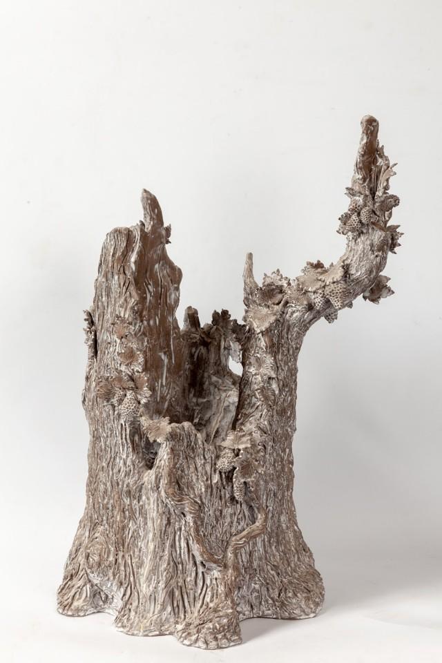 Setsuko, Chemin de vigne, 2016–17, enameled terra-cotta / terre cuite émaillée, 24 7/8 × 19 3/4 × 15 3/4 inches (63 × 50 × 40 cm)