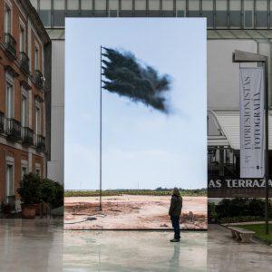 John Gerrard, Western Flag (Spindletop, Texas), 2017 at Museo Nacional Thyssen-Bornemisza, Madrid, 2019.