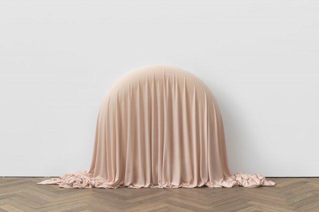 Alexandre da Cunha, Marble, 2020. © Alexandre da Cunha. Photo: Ben Westoby.